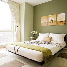 modern bedroom by Susan  Kennedy Design