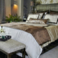 Contemporary Bedroom by ROOMS & BLOOMS