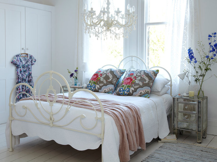 Shabby chic Bedroom by rigby & mac