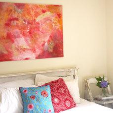 Contemporary Bedroom by Rossana Novella