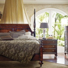 Traditional Bedroom by SmartFurniture
