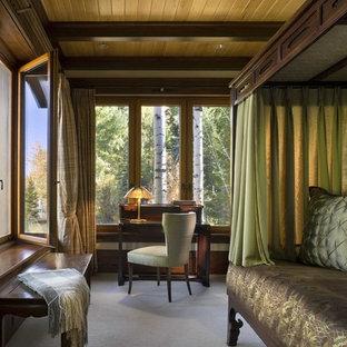Idées déco pour une chambre avec moquette montagne.