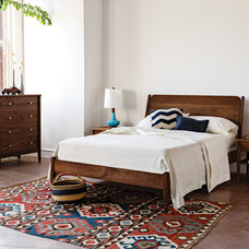Midcentury Bedroom by thejoinery.com