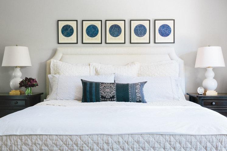 Классический Спальня by Amanda Teal Design