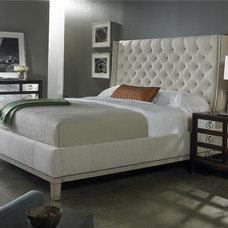 Bedroom by Luxe Home Philadelphia
