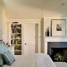 Beach Style Bedroom by Whitten Architects