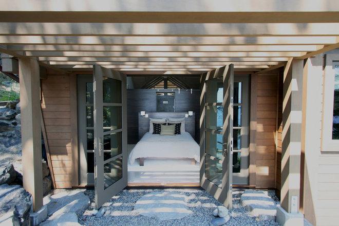 Rustic Bedroom by Masterson Studio