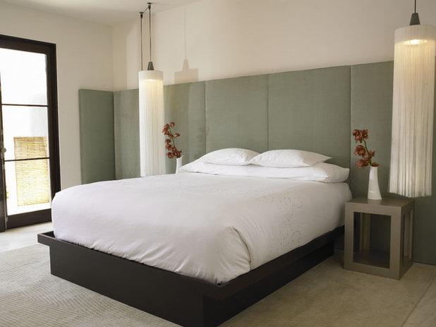 Modern Bedroom by Amy Noel Design