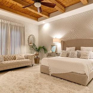 Idéer för ett klassiskt sovrum, med grå väggar och klinkergolv i porslin