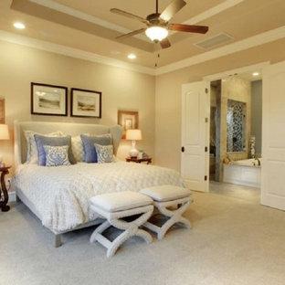 Example of a classic bedroom design in Dallas