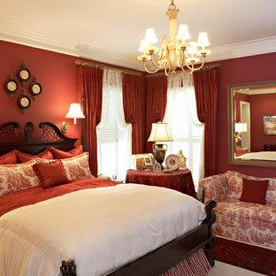 Стильный дизайн: гостевая спальня среднего размера в викторианском стиле с красными стенами, ковровым покрытием и белым полом - последний тренд