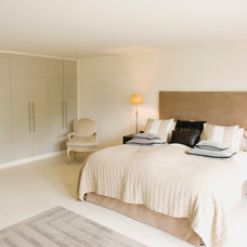 Bedroom by Mulhall Construction