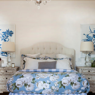 Bedroom - traditional master bedroom idea in Los Angeles with white walls
