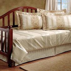 Traditional Bedroom by Sit 'n Sleep