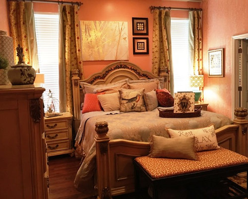 chambre romantique avec un mur orange photos et id es d co de chambres. Black Bedroom Furniture Sets. Home Design Ideas