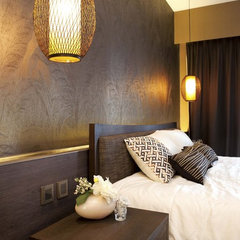 asian bedroom by S.I.D.Ltd.