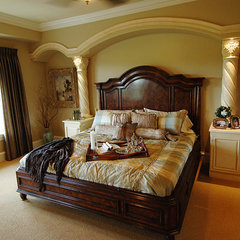 mediterranean bedroom by Barenz Builders