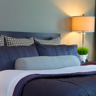 This is an example of a contemporary bedroom in Nashville.