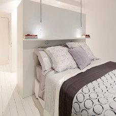 Contemporary Bedroom by Zugai Strudwick Architects