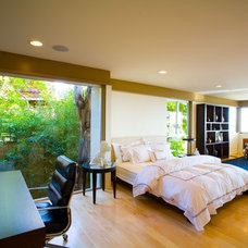 Modern Bedroom by David Hertz & Studio of Environmental Architecture