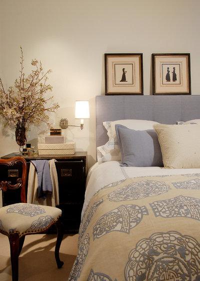 Классический Спальня by Annette English & Associates
