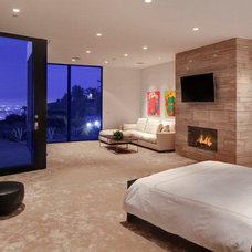 Modern Bedroom by Euroconcepts
