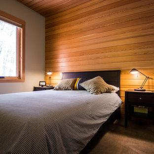 Modelo de habitación de invitados rural, de tamaño medio, sin chimenea, con paredes blancas y suelo de cemento