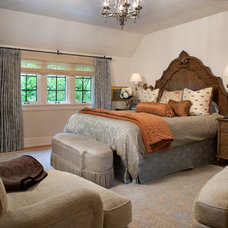 Traditional Bedroom by Linda Constable