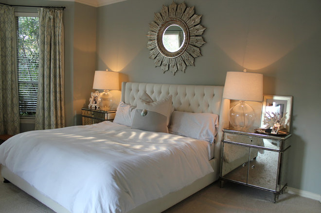 Traditional Bedroom by Elizabeth Jewell Interiors