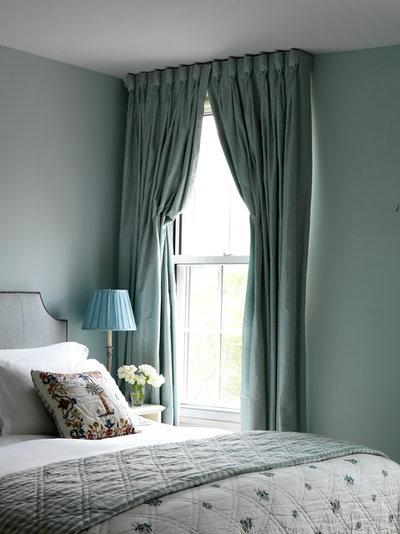 Неоклассика Спальня by Katie Lydon Interiors