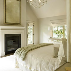 traditional bedroom by DHR Architecture