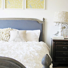Traditional Bedroom blue and yellow charm