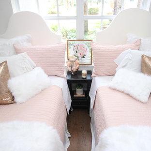 Bedroom - bedroom idea in Miami