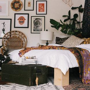 Esempio di una camera da letto shabby-chic style