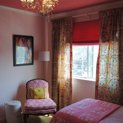 Inspiration for a small eclectic guest carpeted bedroom remodel in Philadelphia with pink walls and no fireplace