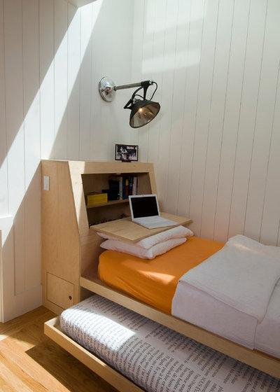 Scandinavian Bedroom by Malcolm Davis Architecture
