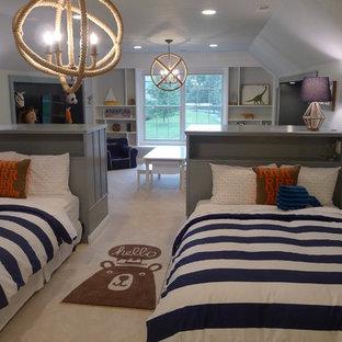 Foto de dormitorio tipo loft, tradicional renovado, grande, con paredes azules y moqueta