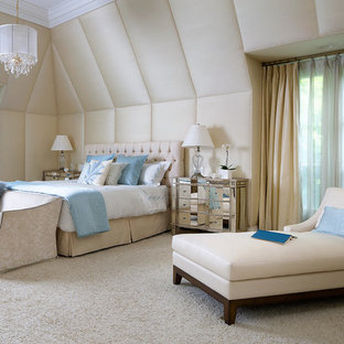 Inspiration for a contemporary carpeted bedroom remodel in Toronto with beige walls