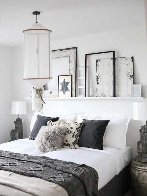 Mittelgroßes Shabby Style Schlafzimmer Mit Weißer Wandfarbe In Surrey