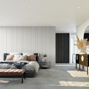 Идея дизайна: большая хозяйская спальня в современном стиле с белыми стенами, ковровым покрытием и серым полом