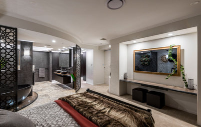 A Luxurious Penthouse Ensuite in Striking Black