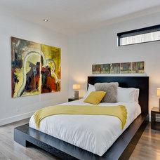 Contemporary Bedroom by Astuces Design