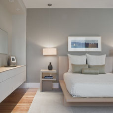 contemporary bedroom by Solomon+Bauer+Giambastiani Architects