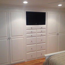 Traditional Bedroom by Brosseau construction