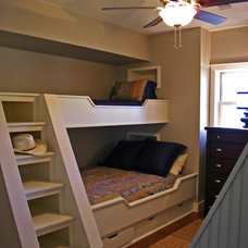 Beach Style Bedroom by Realty Restoration, LLC