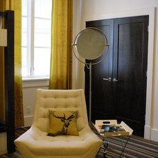 Modern Bedroom by H&H Design