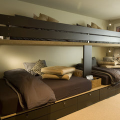 contemporary bedroom by Space Planning and Design, Inc