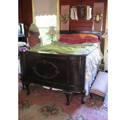 traditional bedroom By Alicia ~ Time Worn Style