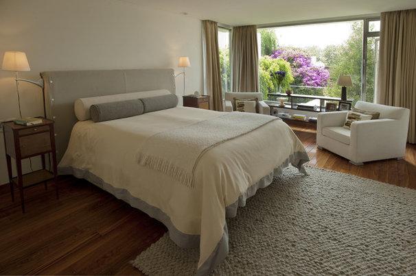 Contemporary Bedroom by vgzarquitectura y diseño sc