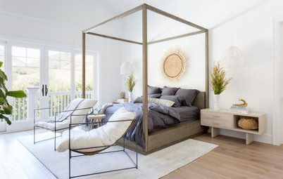 Houzz Tour: Softly Sophisticated Modern Beach Style  in L.A.